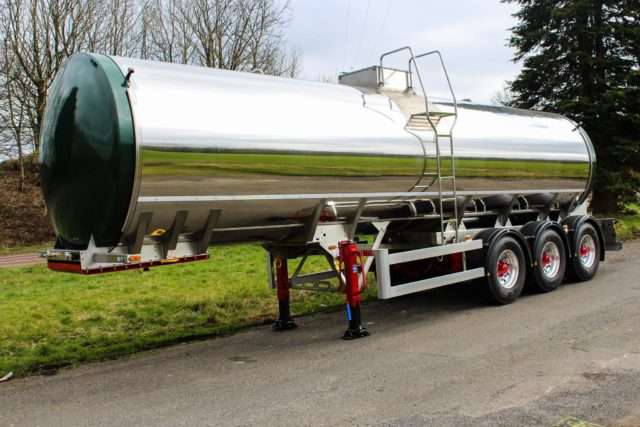 Milk trailer tanker