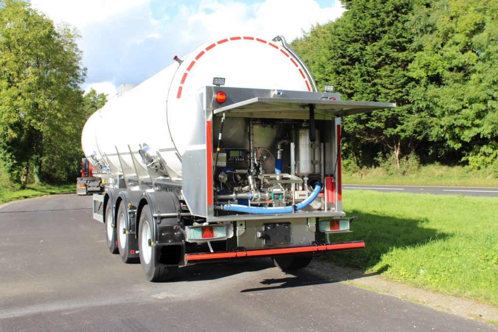 Crossland manufacture many milk tankers for the leading dairies and hauliers thoroughout the UK and Ireland.